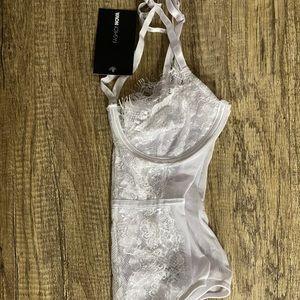 NWT White Lace Fashion Nova Bodysuit